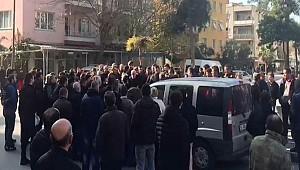 İzmir'li vatandaşlar, Özkanlar Pazar Yeri'nin kapatılmasına isyan etti