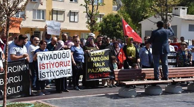 İZMİR'DE PAZAR YERİ SORUNU