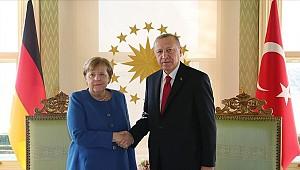 Almanya'nın Hanau kentindeki ırkçı terör saldırısıyla ilgili Merkel, Erdoğan'ı arayacak